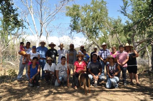 Estudiant@s, profesores, ambientalistas, integrantes del Frente Ciudadano en Defensa del Agua y la Vida en el rancho el corral de Las Padercitas