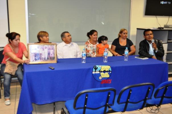 La familia Cordero contando los indicios de un despojo fracasado
