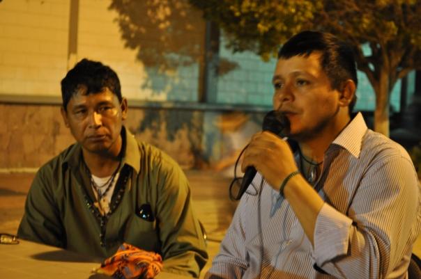Librado Valenzuela y Lauro Beumea, de la tribu Yaqui
